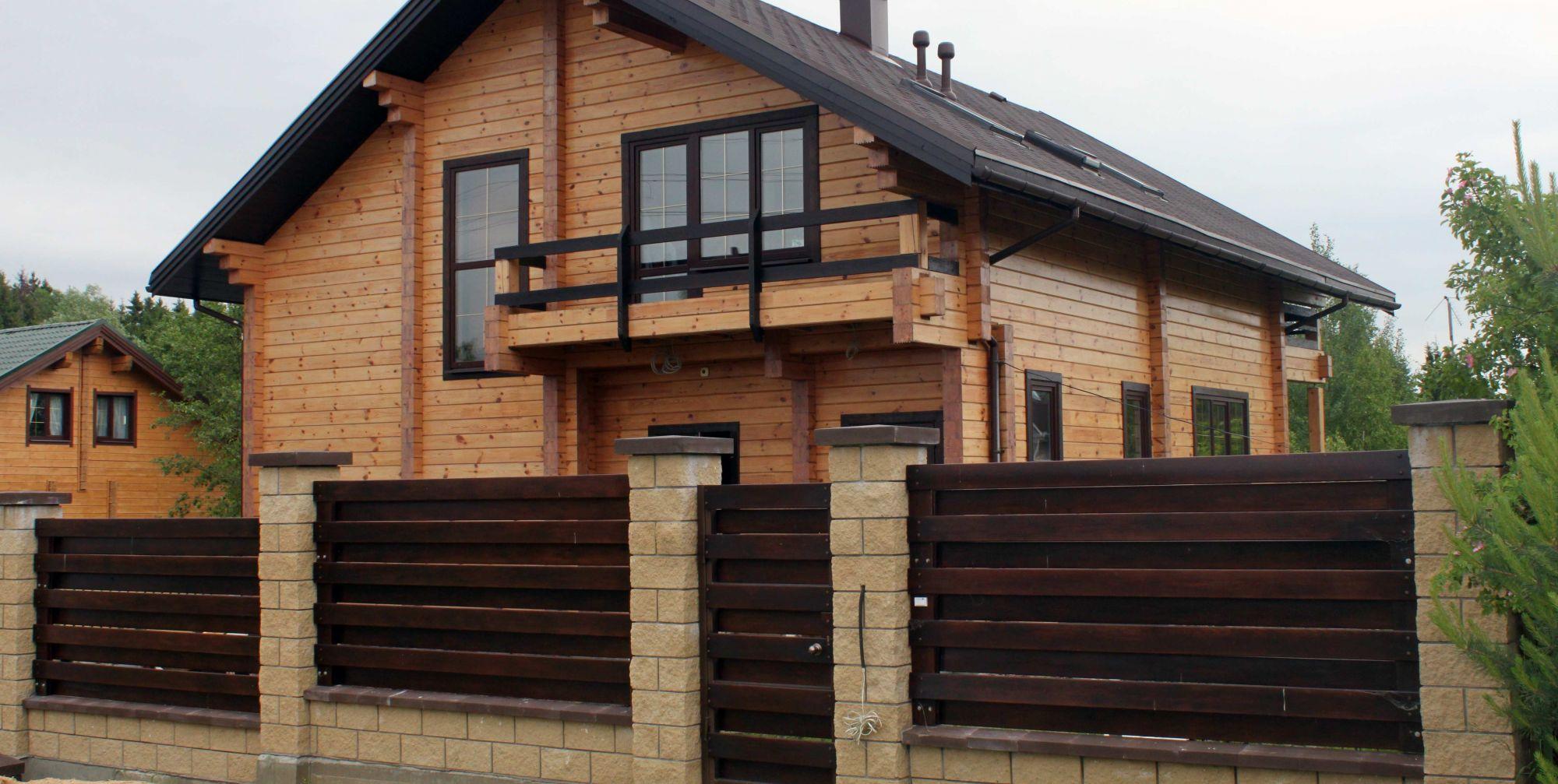 фото деревянных заборов для частных домов